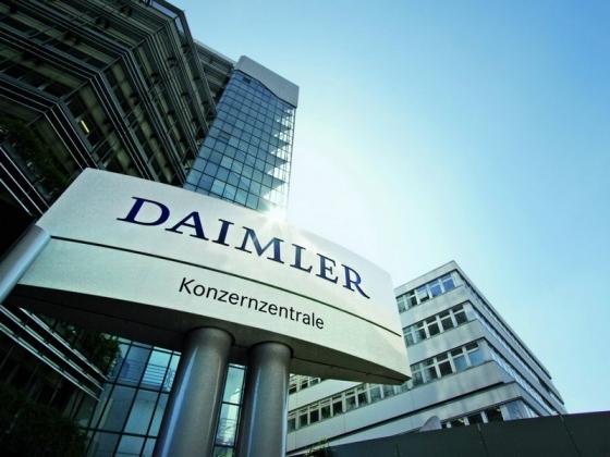 Őrületes akkumulátor-bevásárlásra készül a Daimler