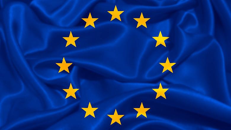 Az írekre figyel az EU: olcsóbb, könnyebb, erősebb akkun dolgoznak